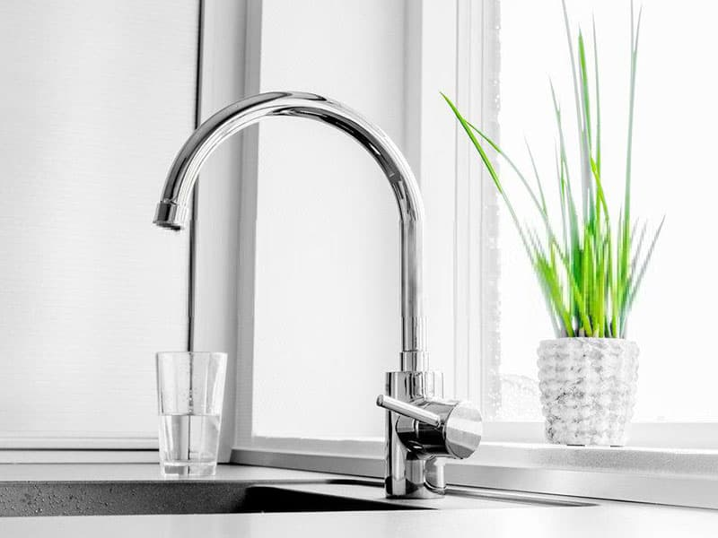top 12 best kitchen faucets in 2021 (recommended)