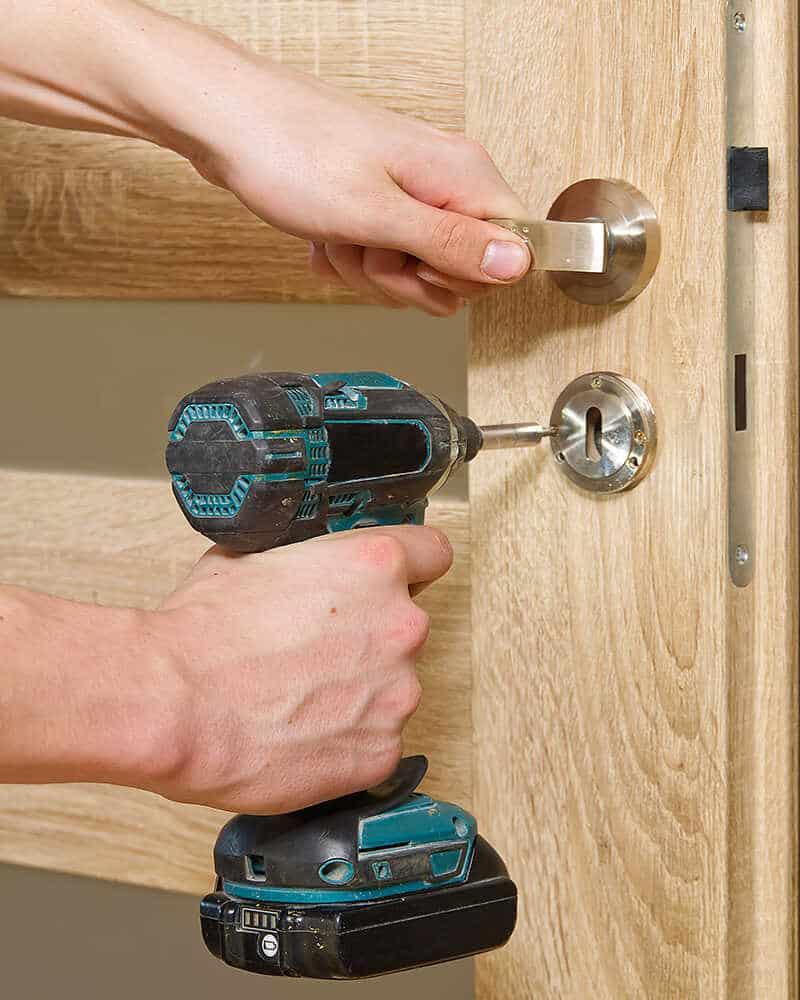 Handyman Repair Door