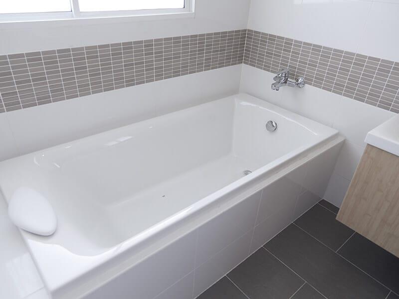 Detail Bath Tub