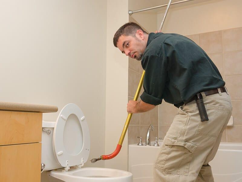 Plumber Unclogging